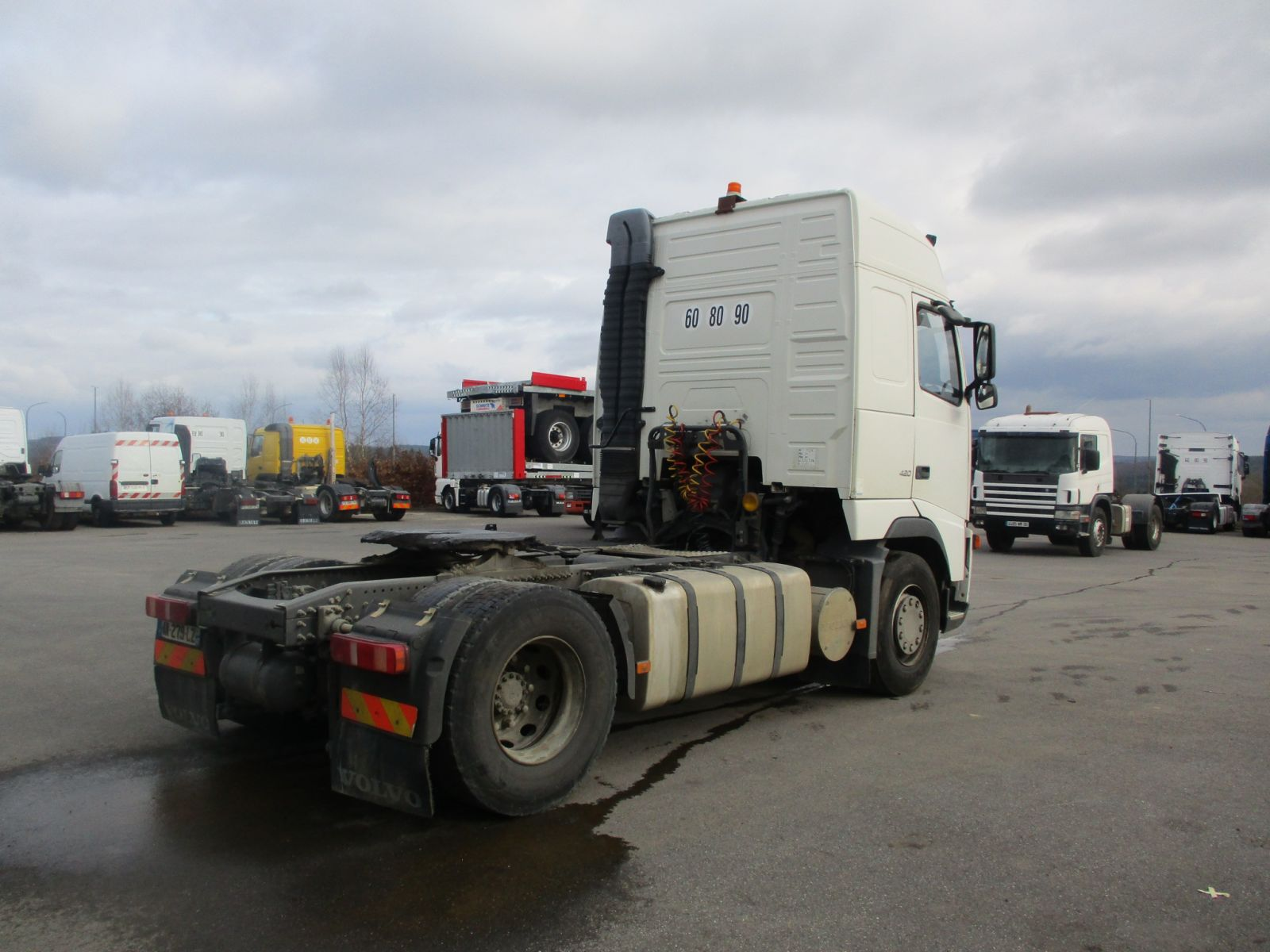 Second hand sale Tractor units - VOLVO FH12 420  TRACTEUR (Belgique - Europe) - Houffalize Trading s.a.