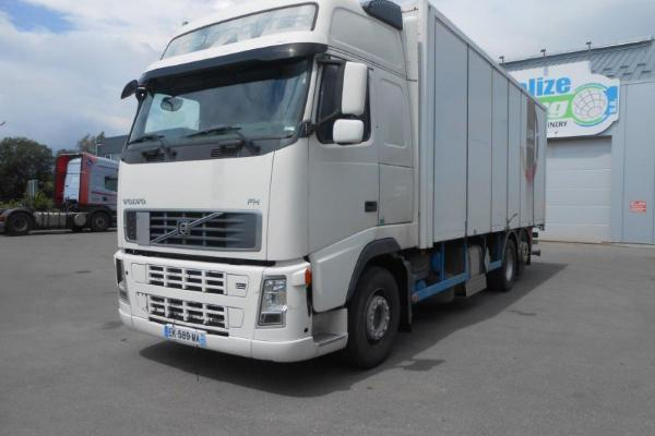 Vente occasion Porteur - VOLVO FH 480  FOURGON (Belgique - Europe) - Houffalize Trading s.a.